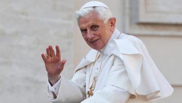 Pope Emeritus Benedict XVI sends his greetings and blessing to the people of England and Wales