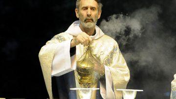 Cardinal Vincent Nichols Celebrates Episcopal Ordination of New Bishop of Brentwood