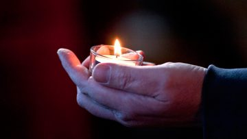 Bishop invites Catholics to send an Easter Card to Persecuted Christians