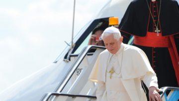 Pope Benedict XVI starts three-day visit to Lebanon