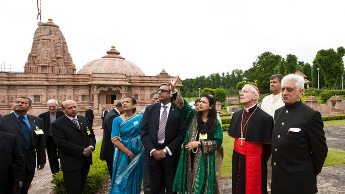 Cardinal Tauran visits the Jain Derasar at the Oshwal Centre