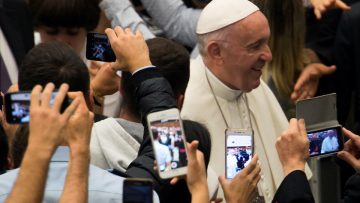 Use digital media to be a witness to the truth – not a narcissist, says Pope Francis